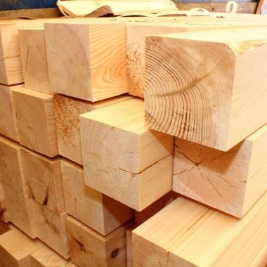 Обрезной брус из лиственницы 150x150х6000